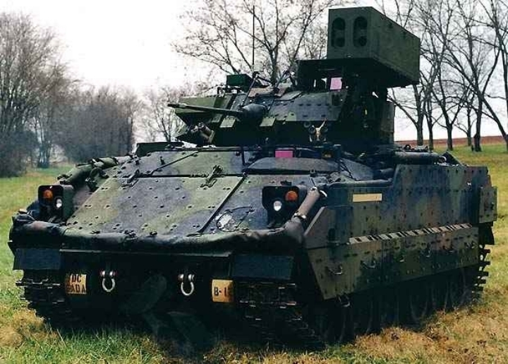 M2Bradley_linebacker0.jpg